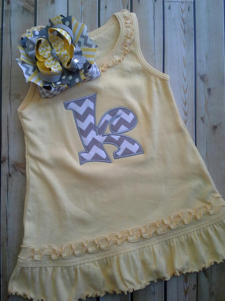 Sleeveless Yellow Chevron Letter Dress-